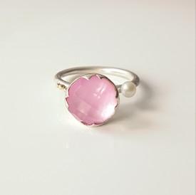 inel Sleeping Beauty din argint si granulatie aur 14k cu safir roz, sidef, cuart si perla de cultura