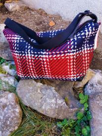 Geanta din material textil de marochinarie si piele