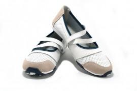 Pantofi albi din piele naturala