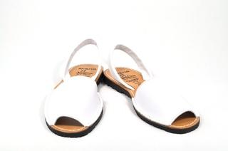 Sandale albe Avarca, din piele naturala