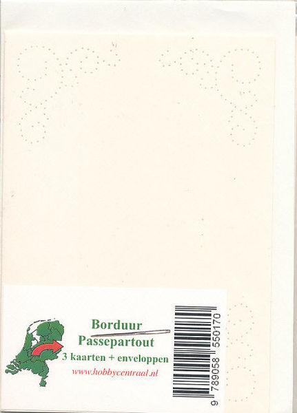 Hobbycentraal 3 borduurkaarten en enveloppen ivoor, gekrulde rand (Locatie: K163)