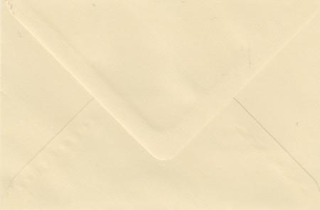 Le Suh envelop licht geel 110x156 410903 (Locatie: NN197 )