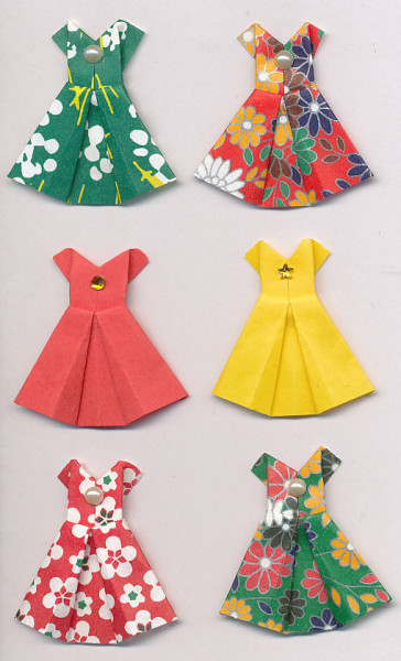 Handgemaakte origami stickers, bloemenprint jurkjes, 6 stuks