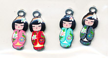 Hobby & Crafting Fun metalen bedels Japanese Dolls 4 stuks 12424-2422 (Locatie: K3)