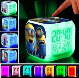 Миниони Despicable Me Alarm часовници с термометър с 7 цвята на дисплея