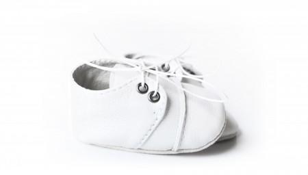 Nehodajuće kožne cipele za bebu / bele