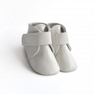 Kožne duboke cipele za bebu / bele