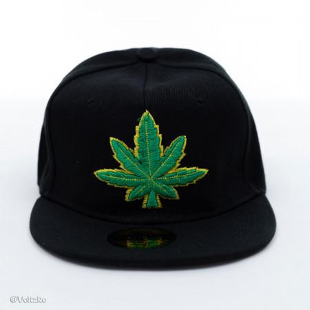 Șapcă logo Marijuana neagră poza 2