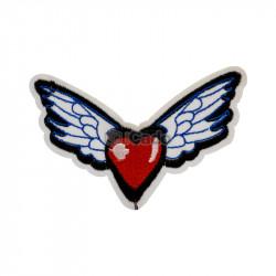 Inima cu aripi brodata 9x6cm