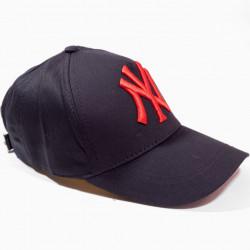 Șapcă neagră logo New York roșu
