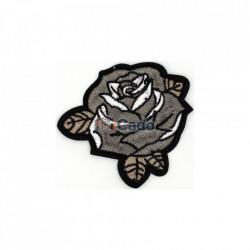 Trandafir brodat TB13