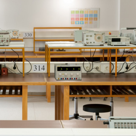 Sursa de laborator PCE-HPS4500