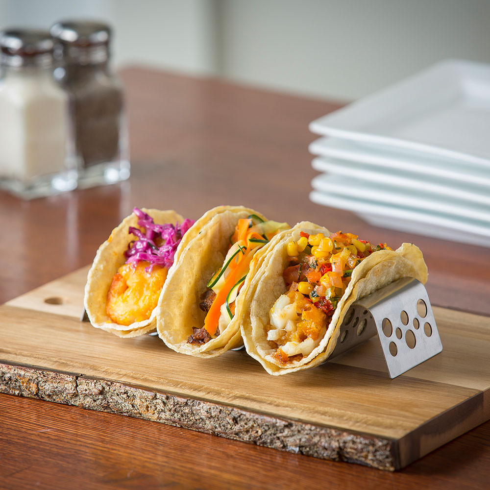 Grill/tacos/nachos/salsa