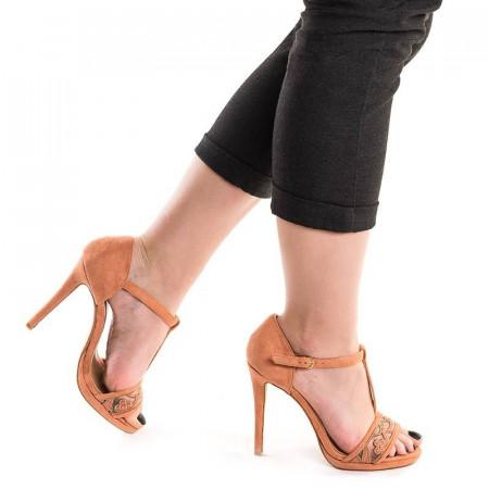 Sandale cu toc si dantela Alma