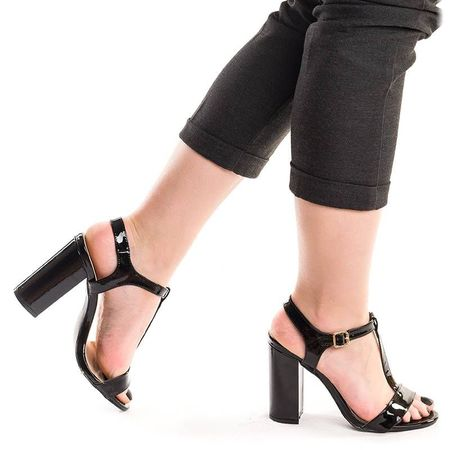 Sandale dama cu toc gros din lac negru Melinda