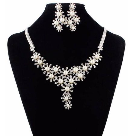 Colier bijuterie eleganta Reina Micaela in set de colier si cercei argintiu