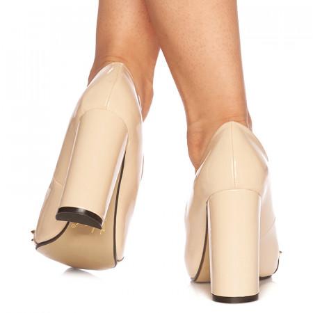 Pantofi stiletto cu toc inalt din lac Giustina bej