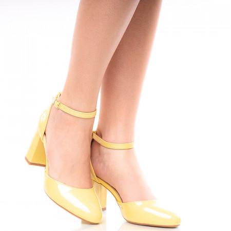 Pantofi dama decupati cu toc mediu gros Giulia galben