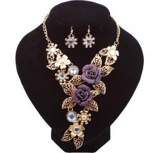 Colier cu pandativ bijuterie eleganta Reina Margarida in set de colier si cercei