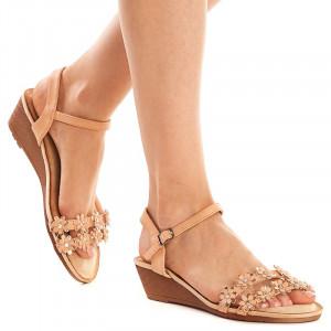 Sandale lejere cu platforma joasa Andra bej