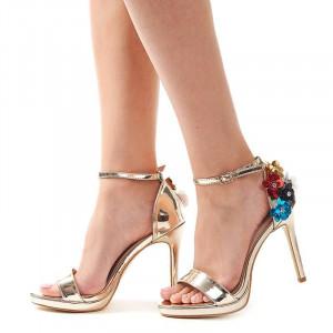 Sandale cu toc si flori elegante Antonia