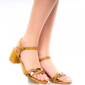 Sandale dama dama cu toc mic Gailana bej