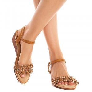 Sandale lejere cu platforma joasa Andra camel