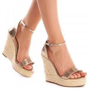 Sandale cu platforma Sarita auriu