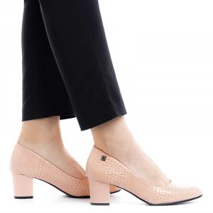 Pantofi dama cu toc mic din lac Lucia bej
