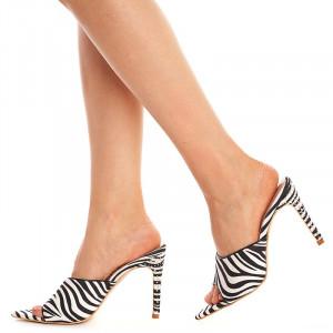 Saboti cu toc zebra Amalia