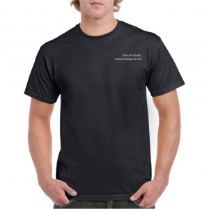 Tricou personalizat barbati negru Esti prea aproape de mine