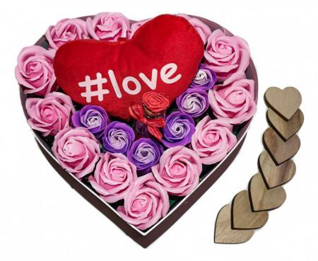 Trandafiri de sapun parfumati in cutie inima, 23 cm + inima plus + sticluta cu mesaj
