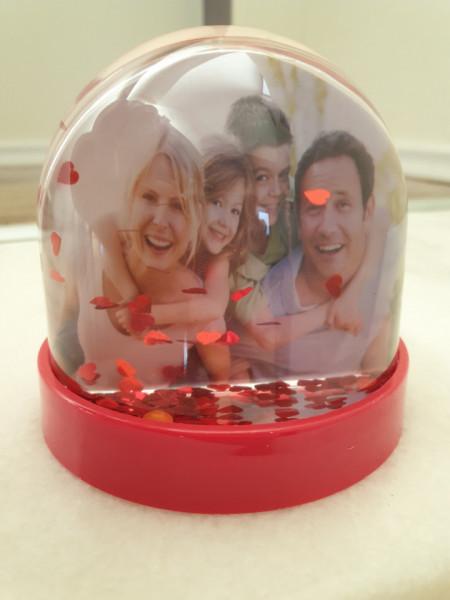 Glob foto rotund cu inimi in interior, personalizat