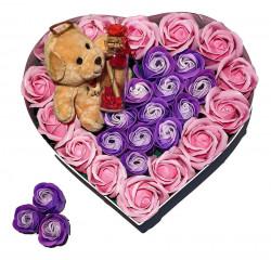 Trandafiri de sapun parfumati in cutie inima, 23 cm + ursulet de plus + sticluta cu mesaj