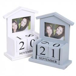 Calendar perpetuu din lemn, model casuta, suport poza