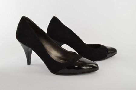 Ženske cipele na štiklu 201-C crne