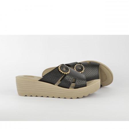 Ženske papuče na platformu TP02509CR crne
