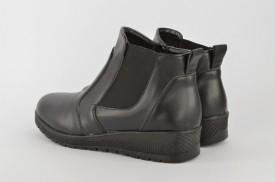 Postavljene ženske duboke cipele 481-002 crne
