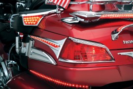 Krómozott dísz LED világítással hátsó hangszórók mögé (2001-2005) kép