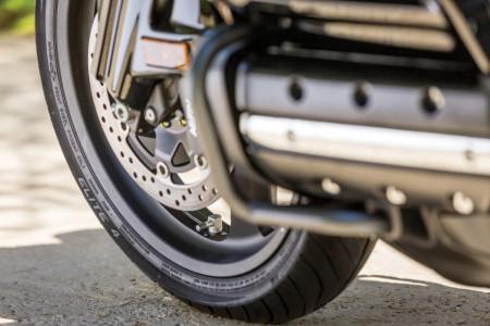 Dunlop ELITE-4 motorgumi garnitúra GL1800-hoz kép