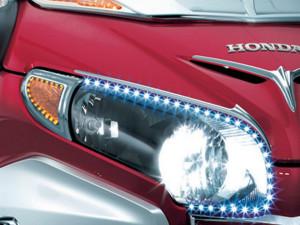 Index és helyzetjelző LED lámpa krómozott kerettel