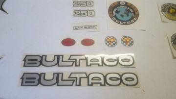 BULTACO SHERPA T DECALS KIT FULL BIKE MODEL SHERPA T BULTACO DECALS KIT imágenes