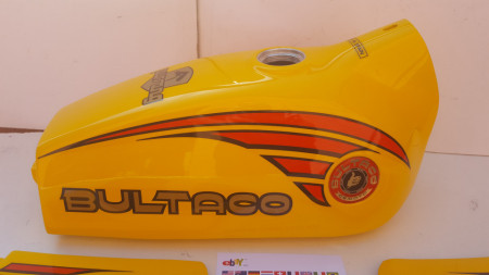 BULTACO PURSANG MK10 125cc FULL BODY KIT NEW GASTANK AND SIDE PANELS PURSANG 125 MODEL 194 imágenes