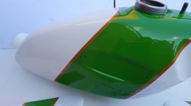 OSSA MICK ANDREWS GAS TANK + SIDE PANELS NEW OSSA MAR BODY KIT GAS TANK + SIDE PANELS OSSA MICK ANDREWS imágenes
