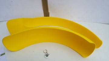 OSSA TR80 FENDERS FRONT & REAR NEW OSSA TR 80 FENDERS FRONT FENDER OSSA YELLOW MUDGUARDS imágenes
