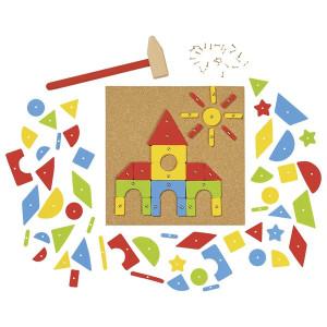 Joc de constructii cu ciocan si cuie pentru copii