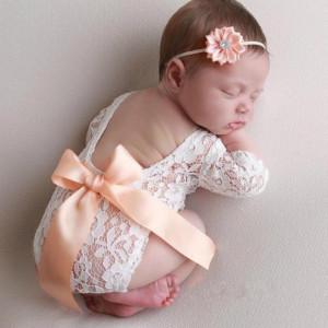 Set pentru poze - body plus bentita pentru nou nascut