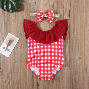 Costum de baie cu patratele rosii si bentita