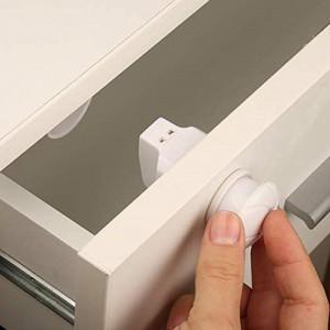 Set 3 sigurante magnetice pentru usi de dulapuri si sertare BabyJem