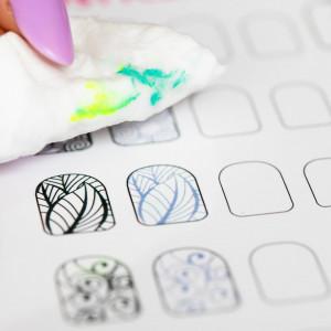 Traning card nail art 12-3